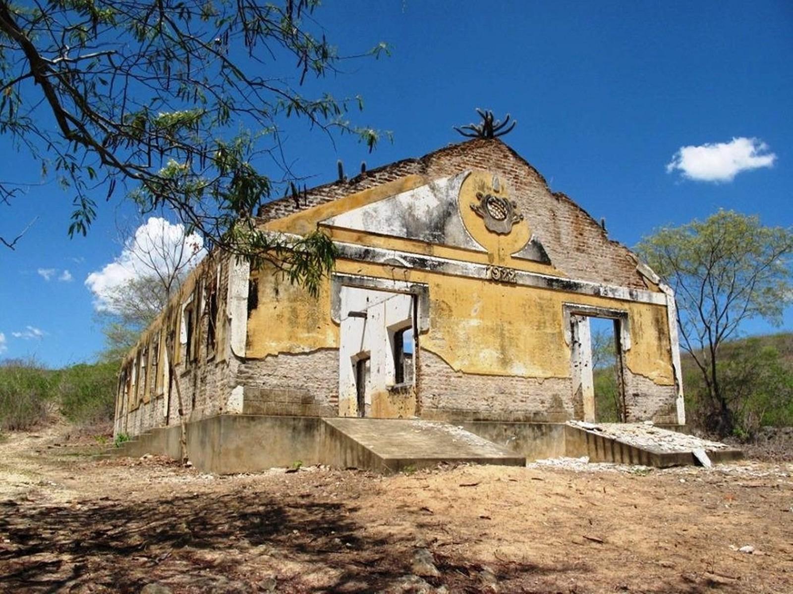 Senador Pompeu CE - Campo de concentração onde 'flagelados da seca' eram  aprisionados é tombado no Ceará .